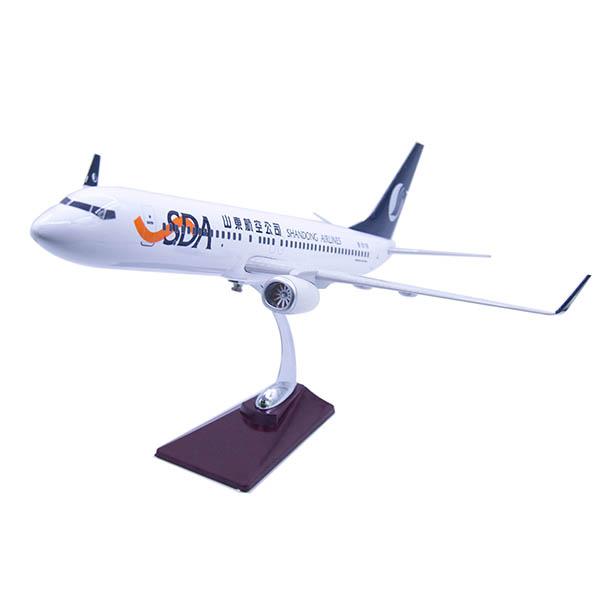 山航飛機模型   737-800   1:80